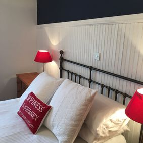 Albany apartments themed rooms